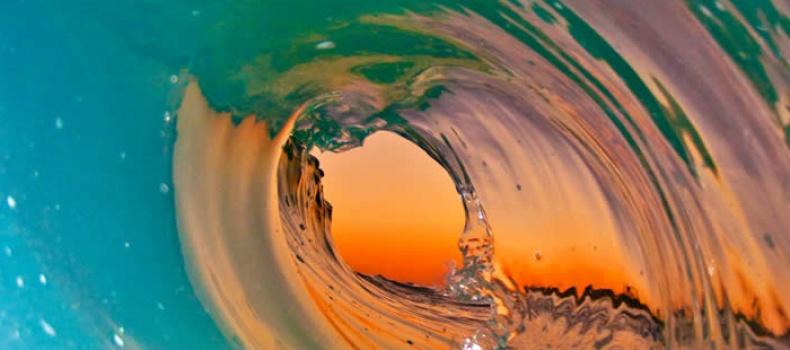صور ساحرة لـ الأمواج على طريقة المصور كلارك ليتل