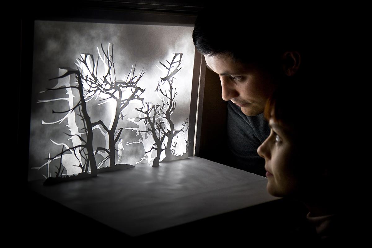 أعمال ورقية تُمسي قصصًا ثلاثية الأبعاد نابضة بالحياة